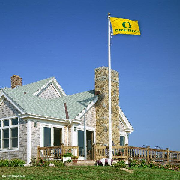 University of Oregon Yellow Outdoor Flag